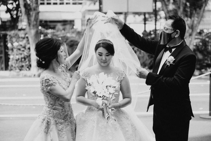 Evan & Brigita Wedding at Hilton by PRIDE Organizer - 011