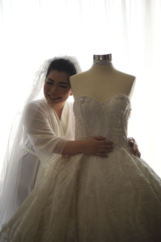 THE WEDDING OF ANGELIA & CHIKO by natalia soetjipto - 004