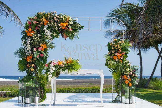 Beautifully Wedding by The Beach by Konsep Sejiwa - 008
