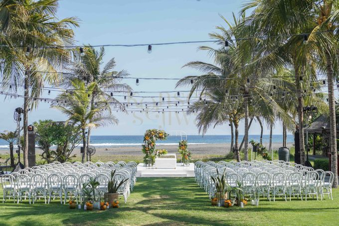 Beautifully Wedding by The Beach by Konsep Sejiwa - 010