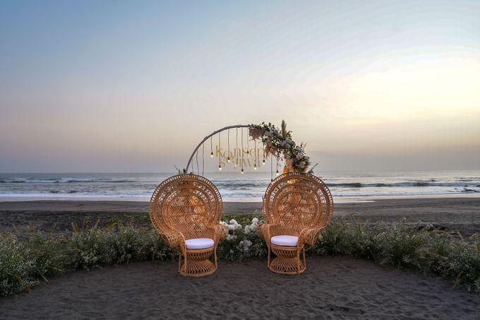 Simple decoration at beach front villa by Konsep Sejiwa - 017