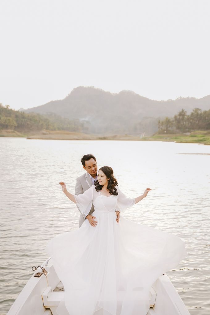 PREWEDDING OF DIMAS & SHEILA by Alluvio - 037