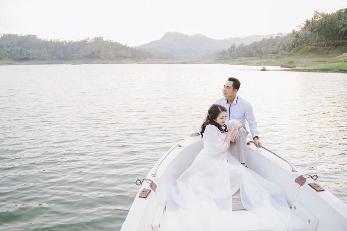 PREWEDDING OF DIMAS & SHEILA by Alluvio - 001