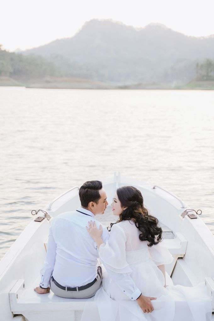 PREWEDDING OF DIMAS & SHEILA by Alluvio - 003