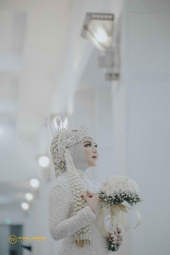 The Sacred moment of Nadia & Didit Akad by Wong Akbar Photography - 004