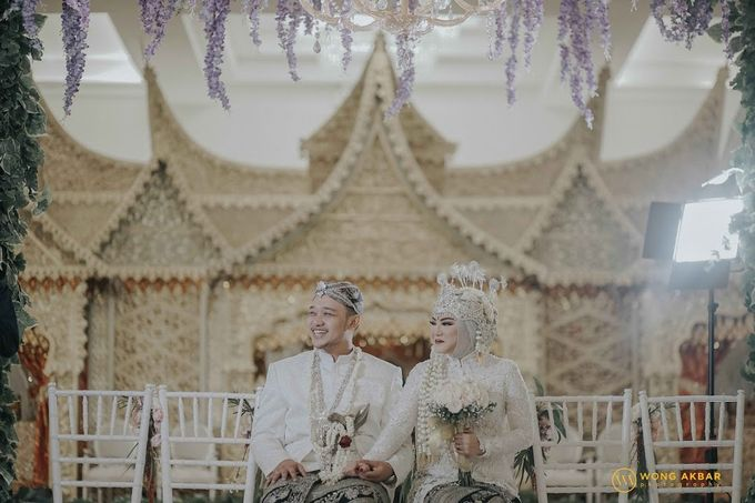 The Sacred moment of Nadia & Didit Akad by Wong Akbar Photography - 005