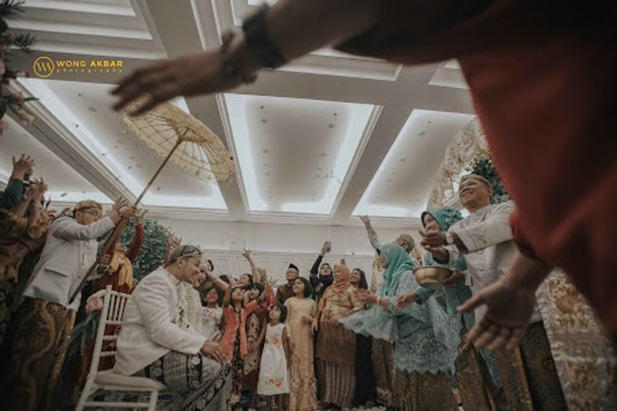 The Sacred moment of Nadia & Didit Akad by Wong Akbar Photography - 008