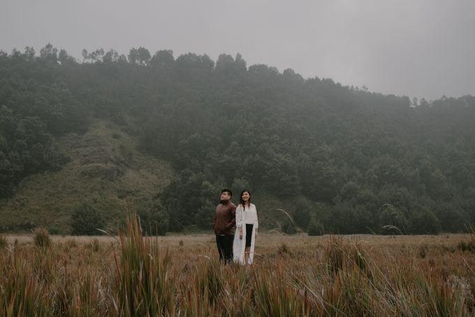 Evi & Yosua Prewedding by Koncomoto - 020