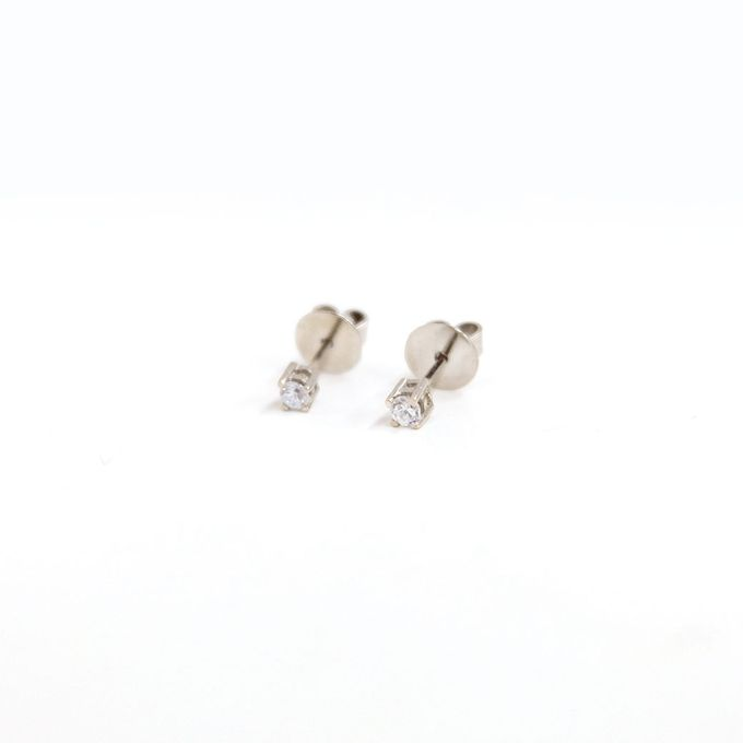 18ct TINY 4PRONGS EARRINGS by AEROCULATA - 001