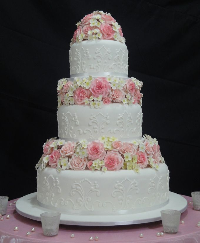 3 Tiers by Amor Cake - 022