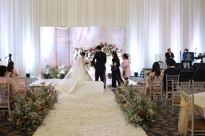 New Normal Wedding Jazz Entertainment at Sheraton Jakarta - Double V entertainment by LeNovelle Cake - 001