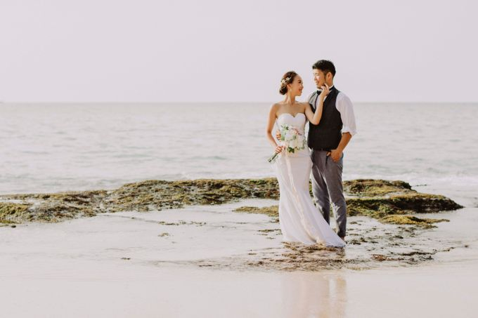 Hiro & Ai Pre-Wedding Session In Tegal Wangi Beach by Satrya Photography - 002