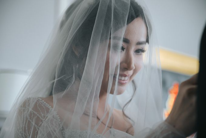 Evelyn & Jossy Wedding Preparation at Four Season Hotel by GoFotoVideo - 010