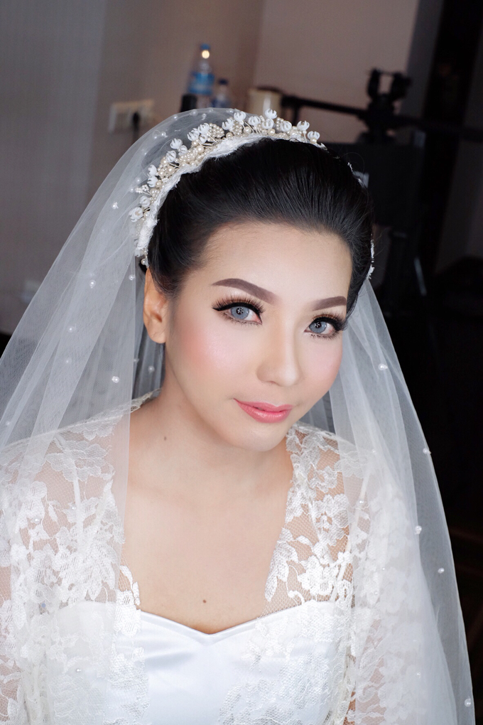 Bride Mrs. mei by Agnes Yosi Make Up Artist - 001