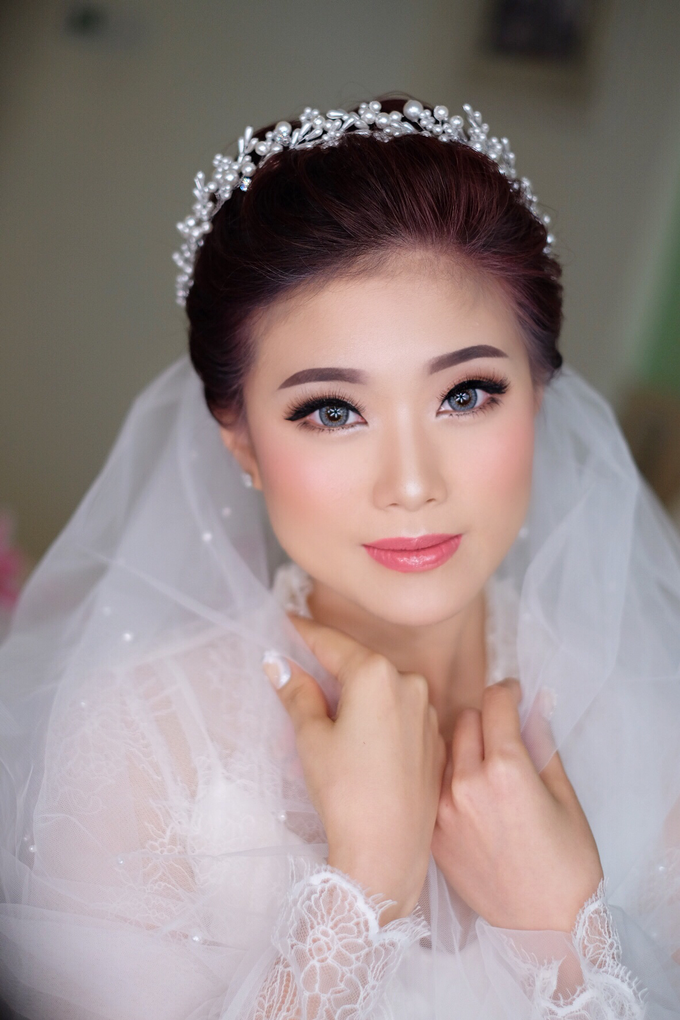 bride Mrs marsha by Agnes Yosi Make Up Artist - 001