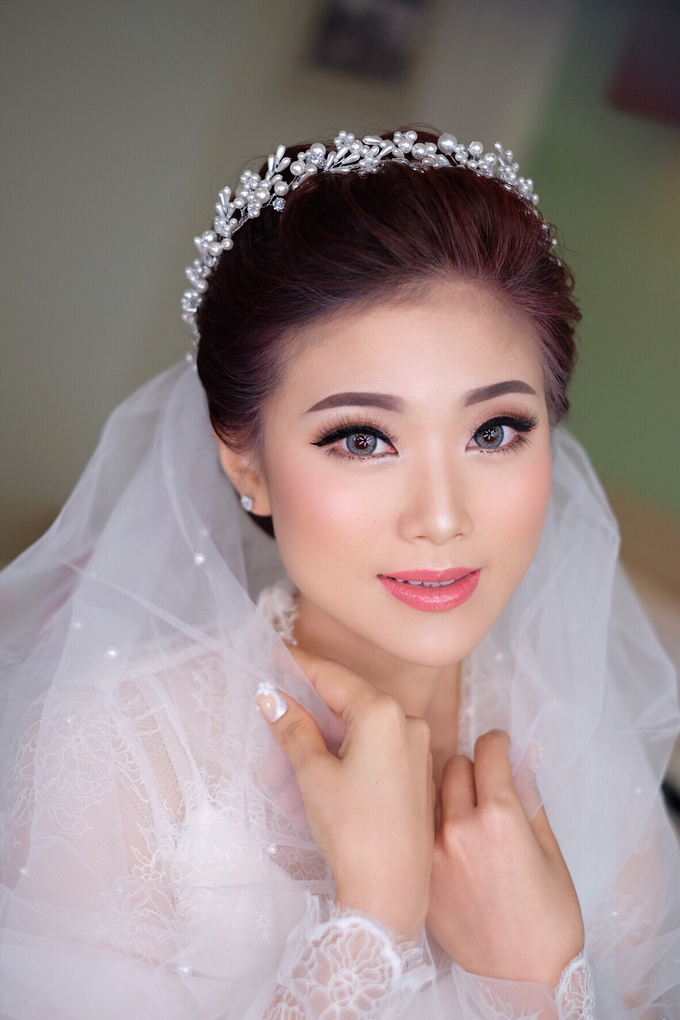 bride Mrs marsha by Agnes Yosi Make Up Artist - 003