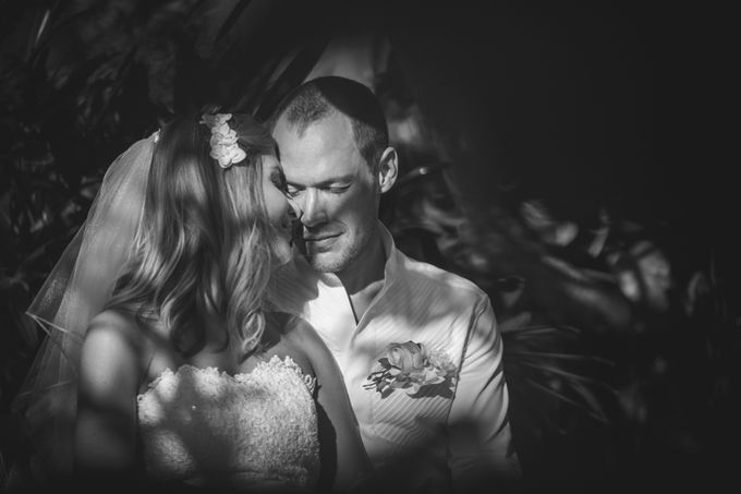 Agota & Balazs Wedding Day by Ferry Tjoe Photography - 048