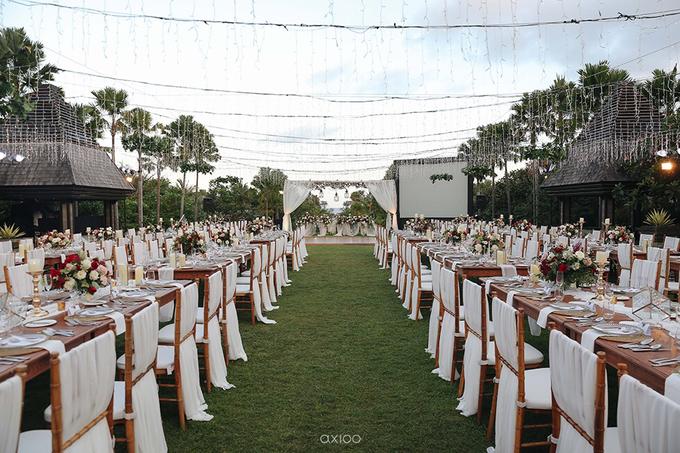 Bold burgundy by AiLuoSi Wedding & Event Design Studio - 004