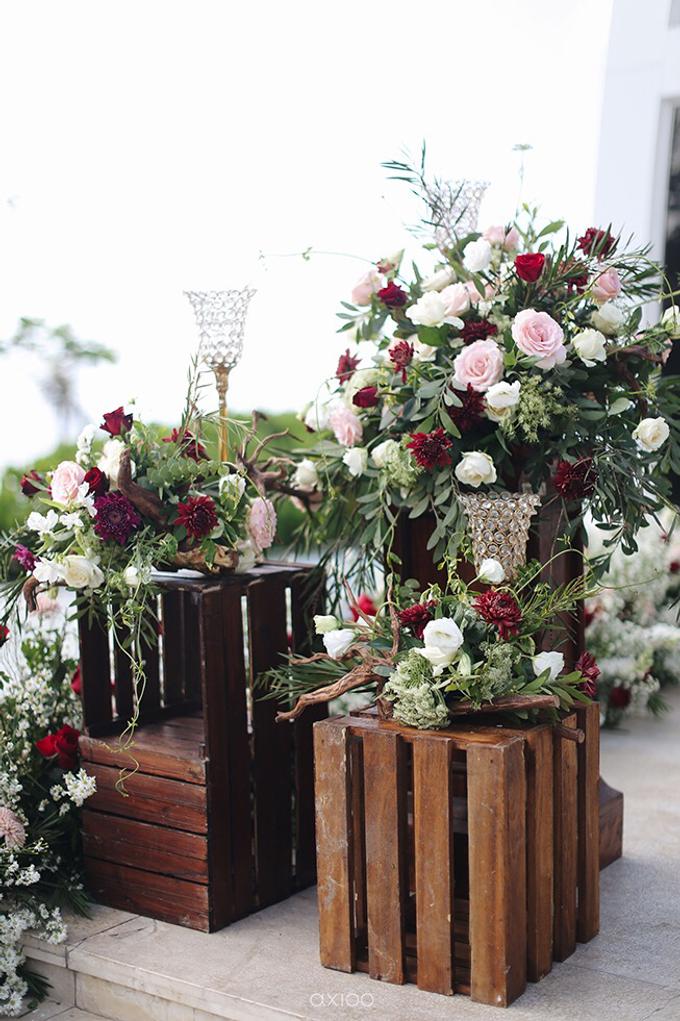 Bold burgundy by AiLuoSi Wedding & Event Design Studio - 018