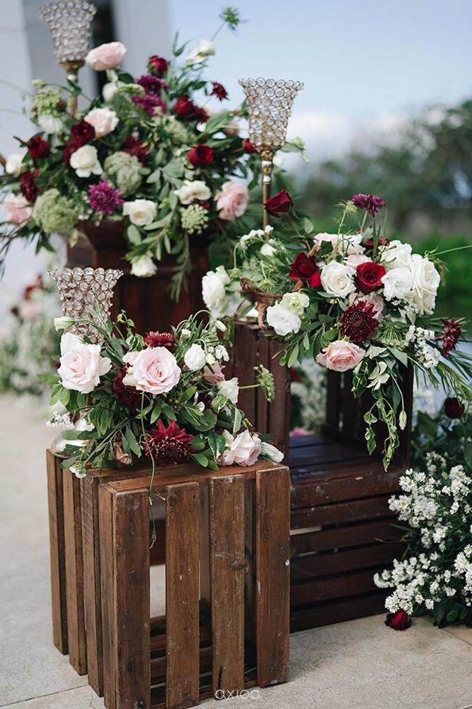 Bold burgundy by AiLuoSi Wedding & Event Design Studio - 029