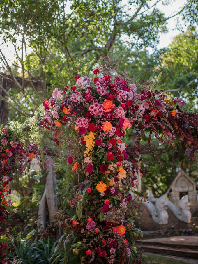 Luxury wedding at the Dhara Dhevi, Chiang Mai by Wainwright Weddings - 017