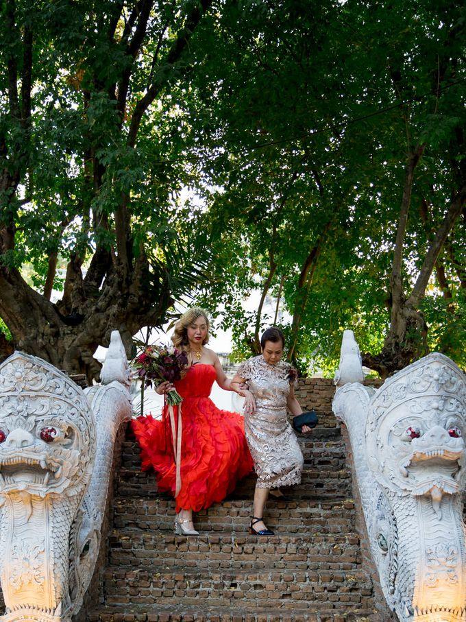 Luxury wedding at the Dhara Dhevi, Chiang Mai by Wainwright Weddings - 022