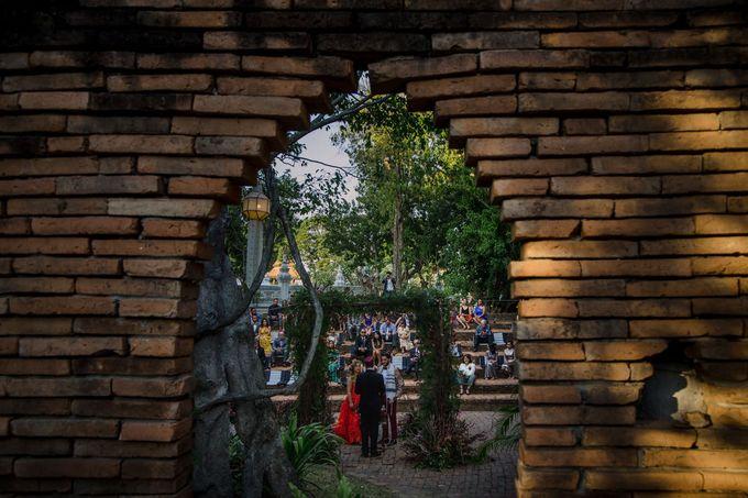 Luxury wedding at the Dhara Dhevi, Chiang Mai by Wainwright Weddings - 024