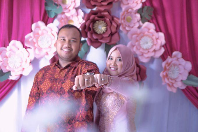 Prista & Rizki Engagement by Cerita Berdua - 002