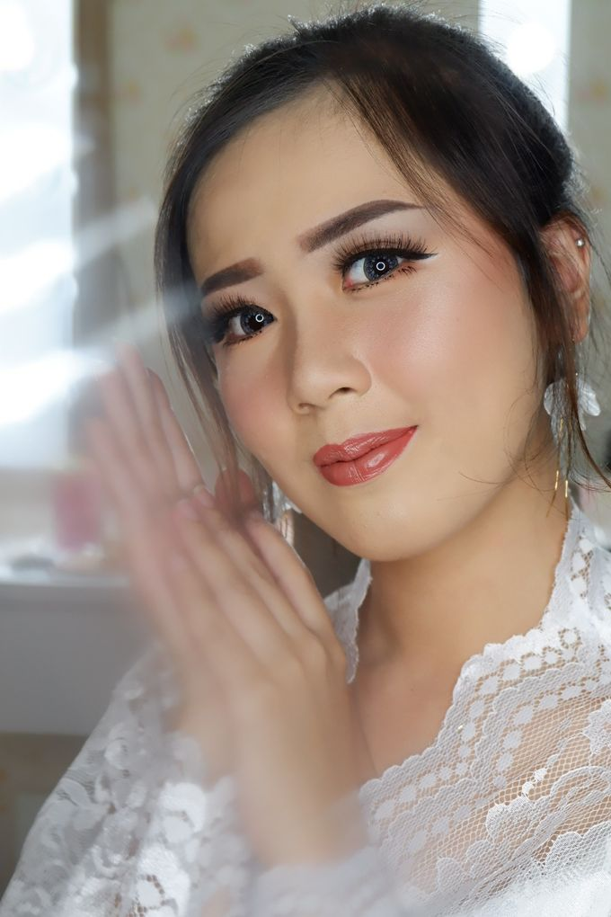 Natural Wedding Makeup 2019 by AngeLin Bridal - 005