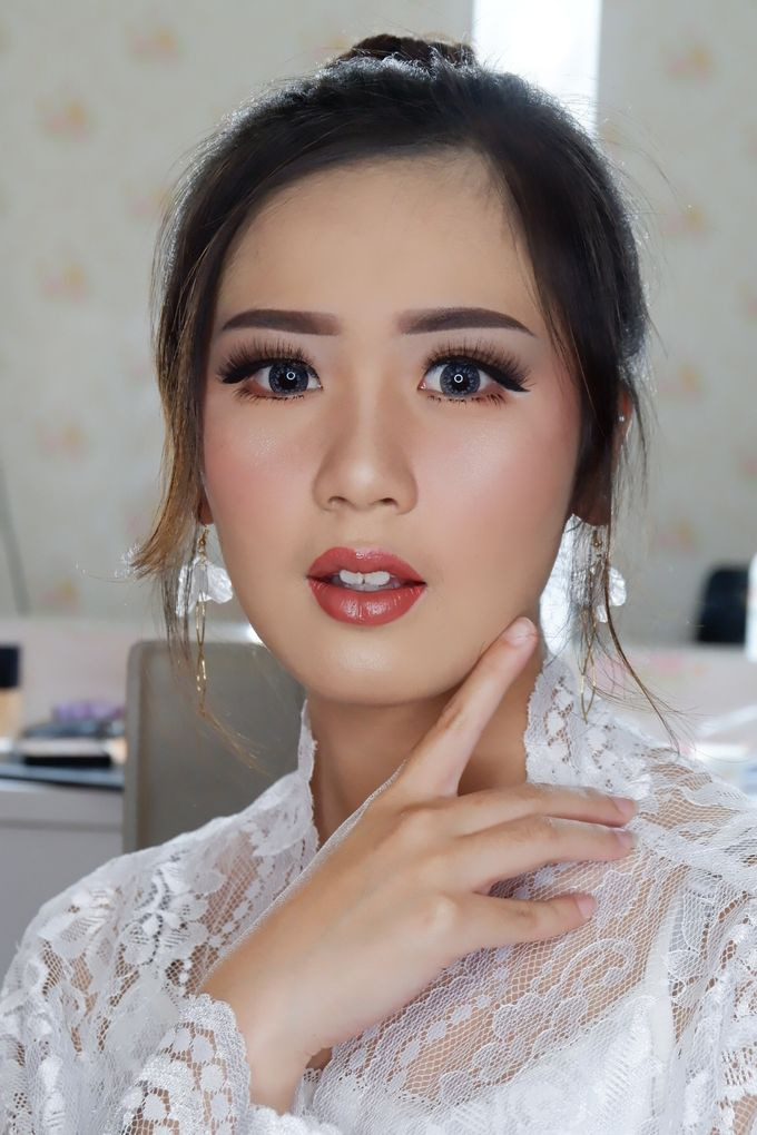 Natural Wedding Makeup 2019 by AngeLin Bridal - 004