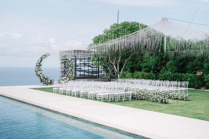 Intimate Natural Greenery Wedding at Alila Uluwatu Villa by Silverdust Decoration - 041