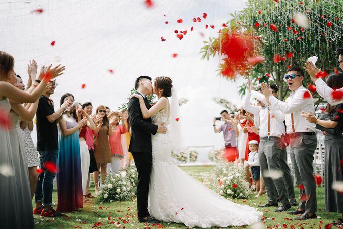 Intimate Natural Greenery Wedding at Alila Uluwatu Villa by Silverdust Decoration - 047
