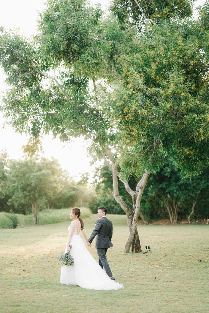 Intimate Natural Greenery Wedding at Alila Uluwatu Villa by Silverdust Decoration - 048