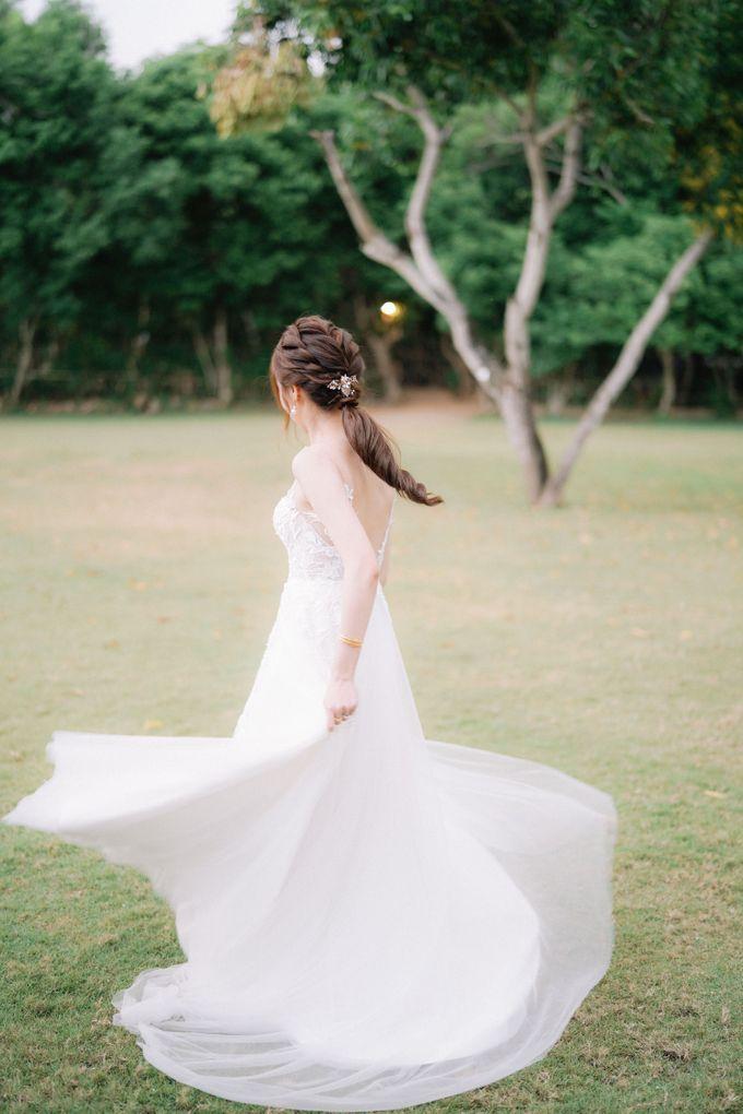 Intimate Natural Greenery Wedding at Alila Uluwatu Villa by Silverdust Decoration - 050