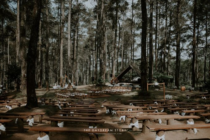 Sastri & Luthfan Wedding At Orchid Forest Lembang by Josh & Friends Entertainment - 020