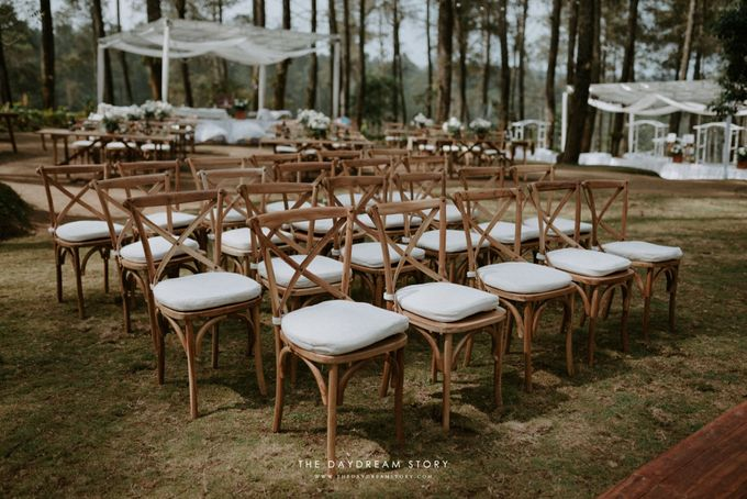 Sastri & Luthfan Wedding At Orchid Forest Lembang by Josh & Friends Entertainment - 021
