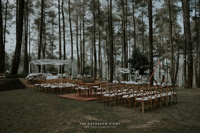 Sastri & Luthfan Wedding At Orchid Forest Lembang by Josh & Friends Entertainment - 022