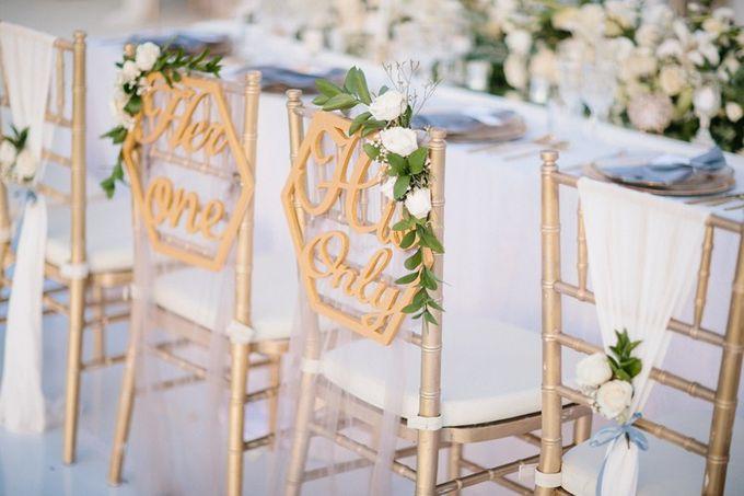 White Elegant Wedding Cliff by Bali Izatta Wedding Planner & Wedding Florist Decorator - 009