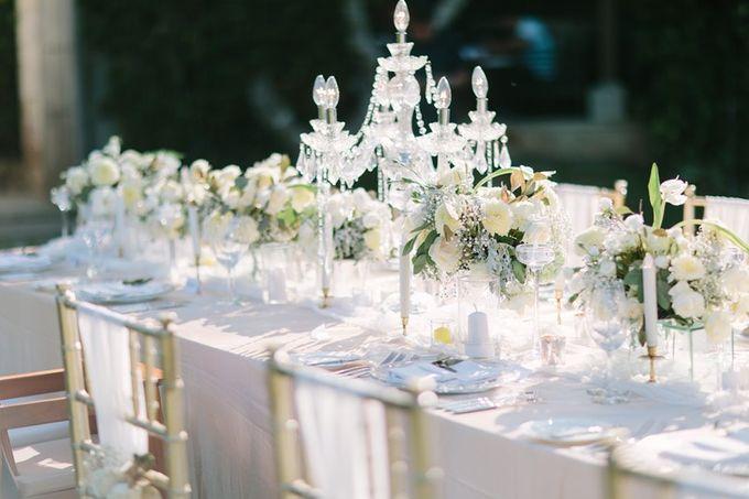 White & Gold Dinner Decoration at Asmara Gazebo by Bali Izatta Wedding Planner & Wedding Florist Decorator - 007