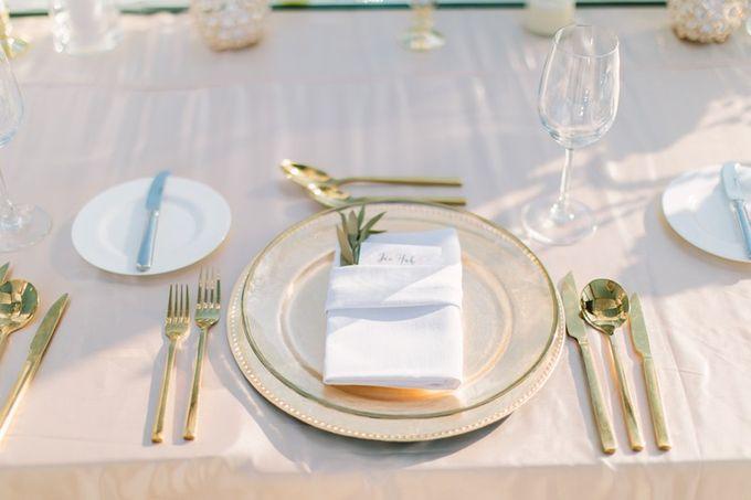 White & Gold Dinner Decoration at Asmara Gazebo by Bali Izatta Wedding Planner & Wedding Florist Decorator - 008