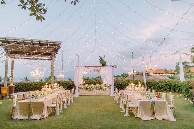 White & Gold Dinner Decoration at Asmara Gazebo by Bali Izatta Wedding Planner & Wedding Florist Decorator - 012