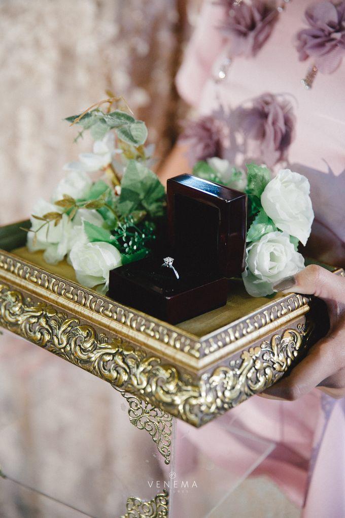Dana & Brena Engagement by Akuwedding - 012