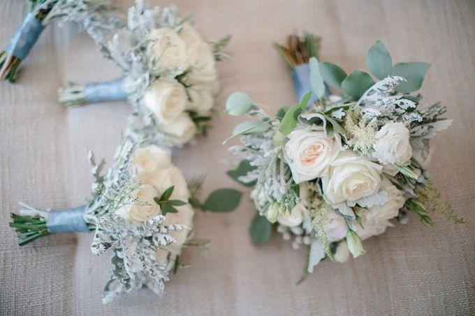 White Elegant Wedding Cliff by Bali Izatta Wedding Planner & Wedding Florist Decorator - 006