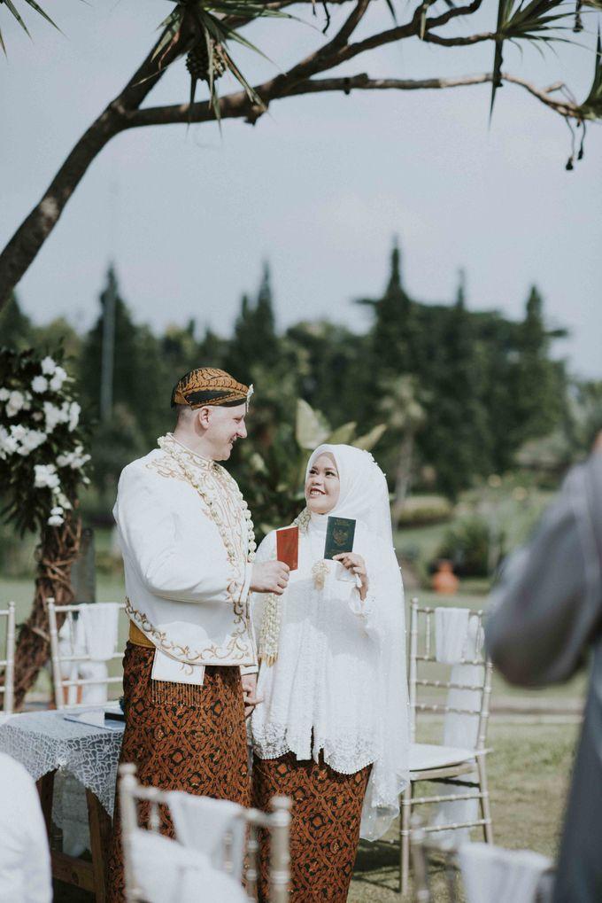 Intan & Rado's Wedding by akar photography - 003