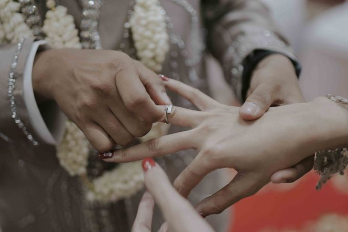 Farah & Andika's Wedding by akar photography - 009