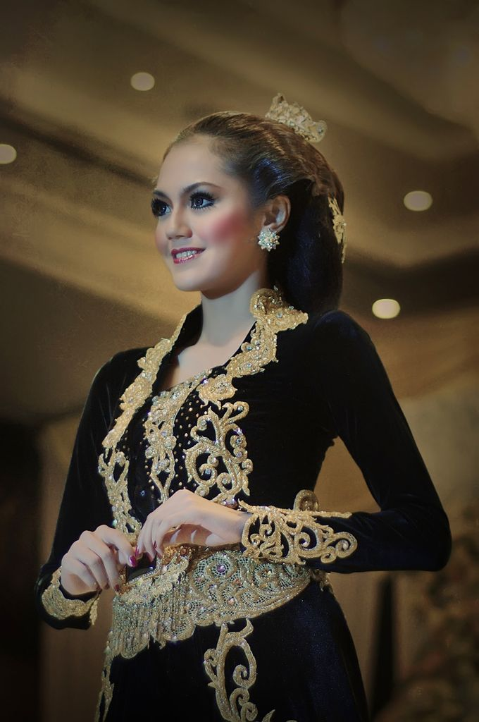 Exhibition by D&D Professional Make Up Artist & Kebaya By Dindin Nurdiansyah - 001