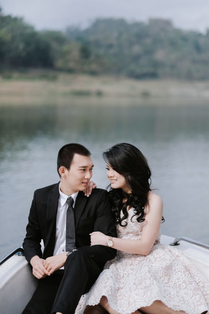 PREWEDDING OF  YUDHI & META by Alluvio - 001