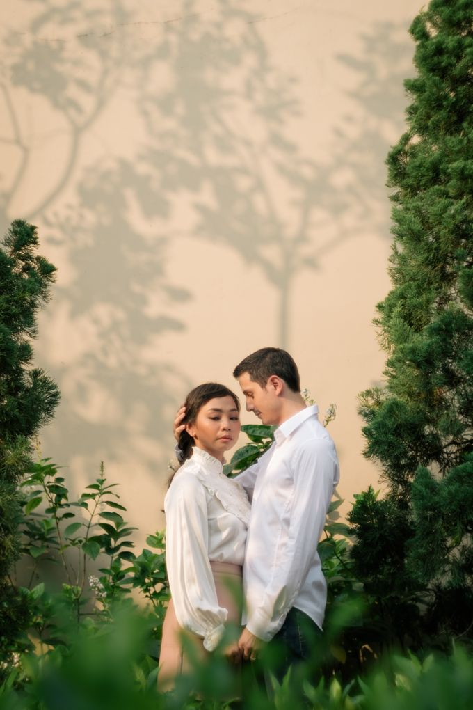 Pre Wedding Photoshoot of Mira and Matt by Mèmoire - 002