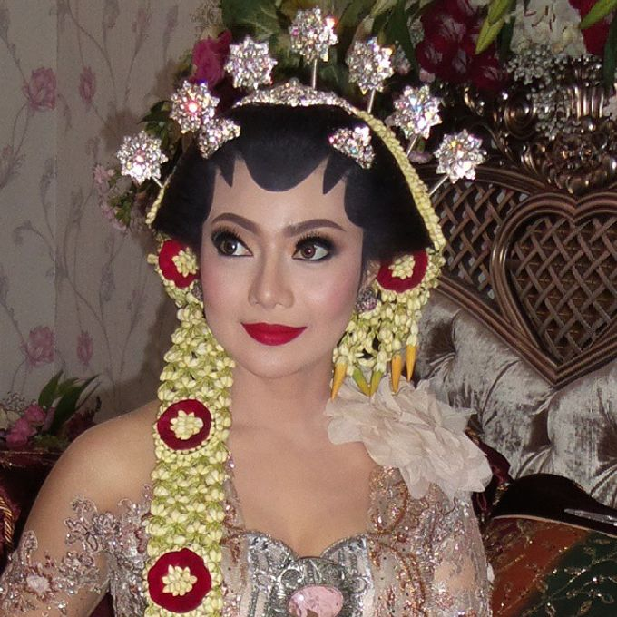 Ambar Paes Traditional Wedding Make Up by Ambar Paes Traditional Wedding Make Up - 007
