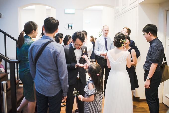 Wedding Day of Amber and Aaron at The Arts House Singapore Actual Day Photography by oolphoto - 050